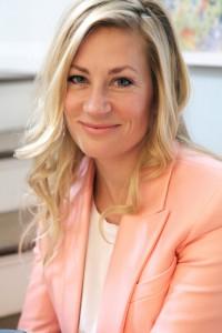 Lindsay Pennington Headshot